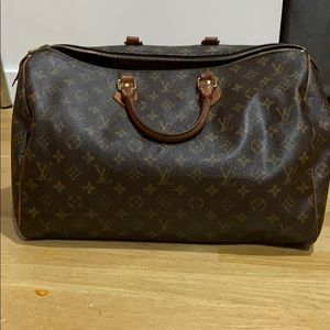 Louis Vuitton Speedy 40 Authentic
